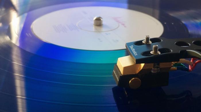 Dit jaar vierde de LP zijn 70e verjaardag. Oud? Welnee!